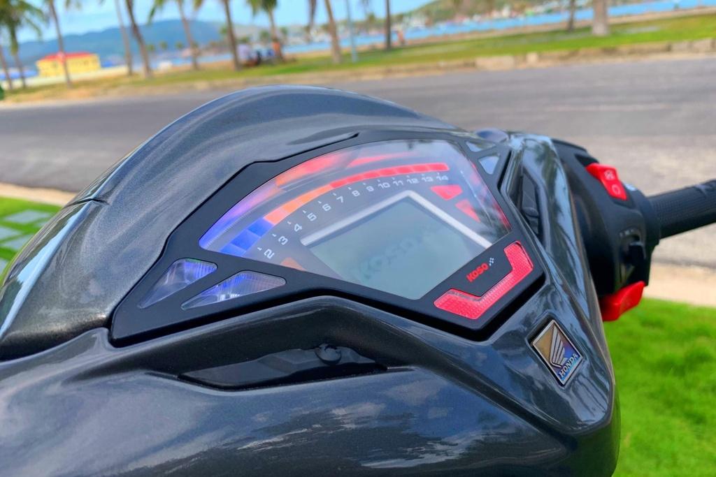 Honda SH 150i voi goi do 300 trieu cua sinh vien Nha Trang hinh anh 6