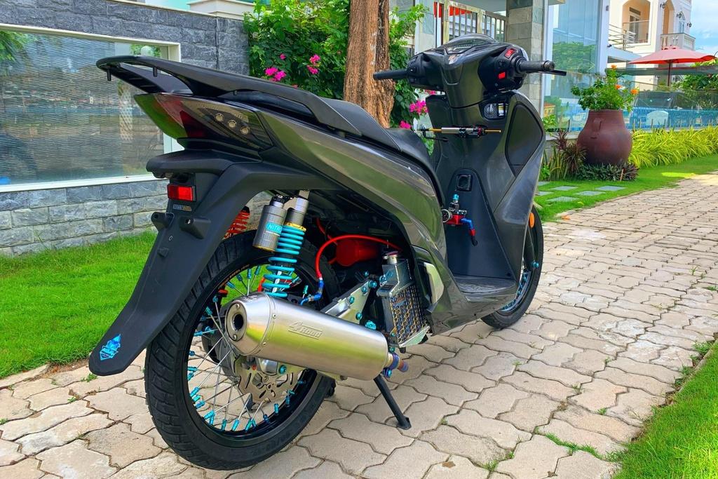 Honda SH 150i voi goi do 300 trieu cua sinh vien Nha Trang hinh anh 11