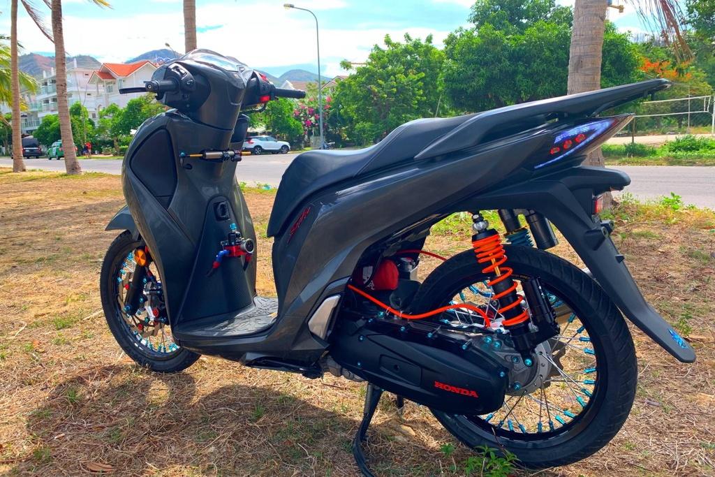 Honda SH 150i voi goi do 300 trieu cua sinh vien Nha Trang hinh anh 3