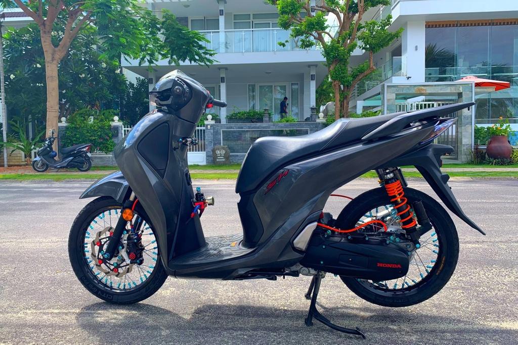 Honda SH 150i voi goi do 300 trieu cua sinh vien Nha Trang hinh anh 12