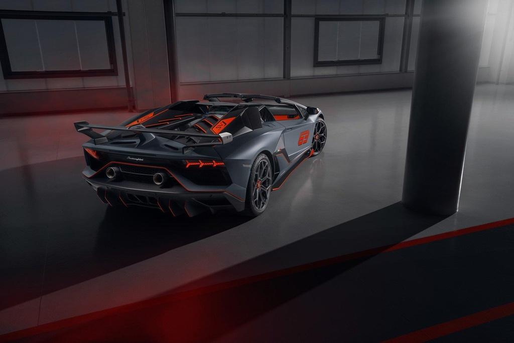 Lamborghini ra mat 2 phien ban dac biet, gioi han chua den 100 chiec hinh anh 2