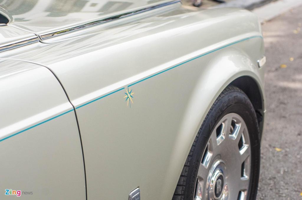 Chiem nguong Rolls-Royce Phantom Hadar doc nhat the gioi tai HN hinh anh 4