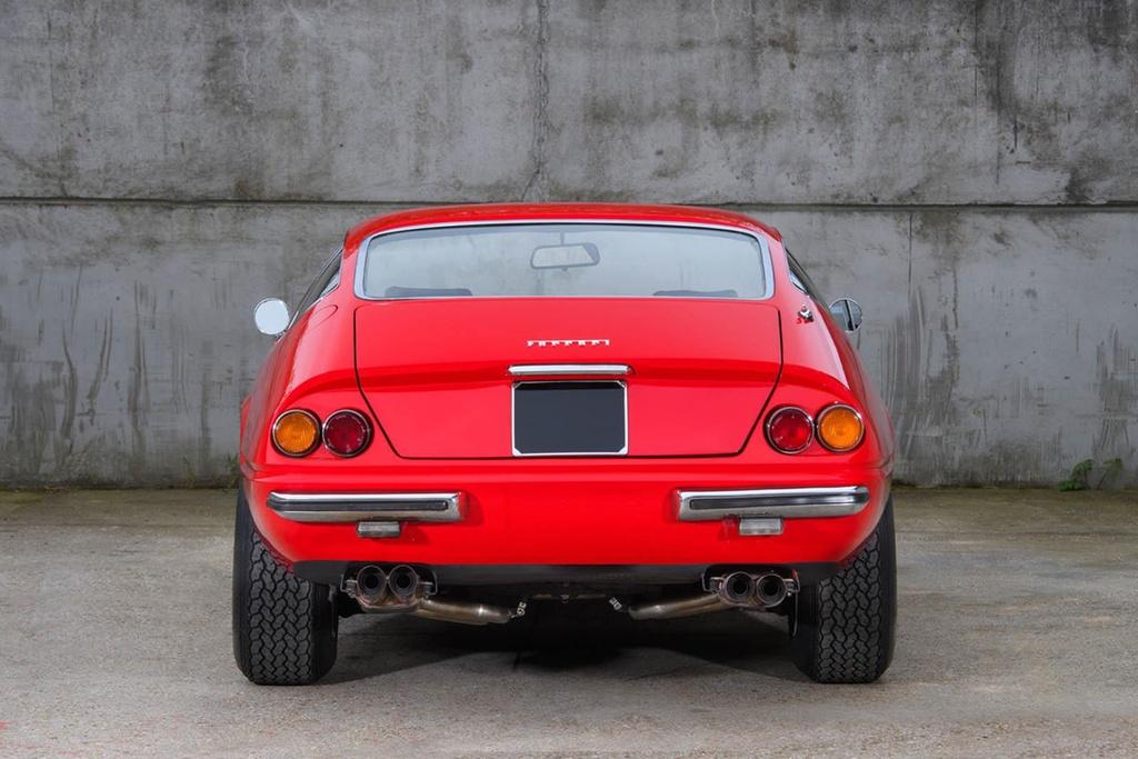 Ferrari co tung cua Elton John duoc ban dau gia hinh anh 3