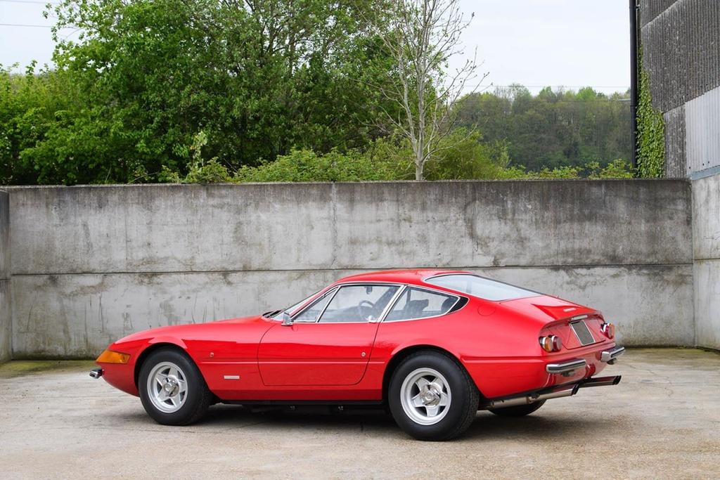 Ferrari co tung cua Elton John duoc ban dau gia hinh anh 1
