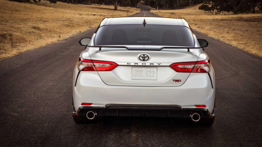 Toyota Camry TRD ra mat, ngoai hinh va khung gam the thao hon hinh anh 5