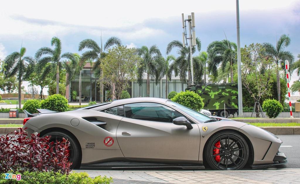 Can canh Ferrari 488 GTB do SVR anh 2