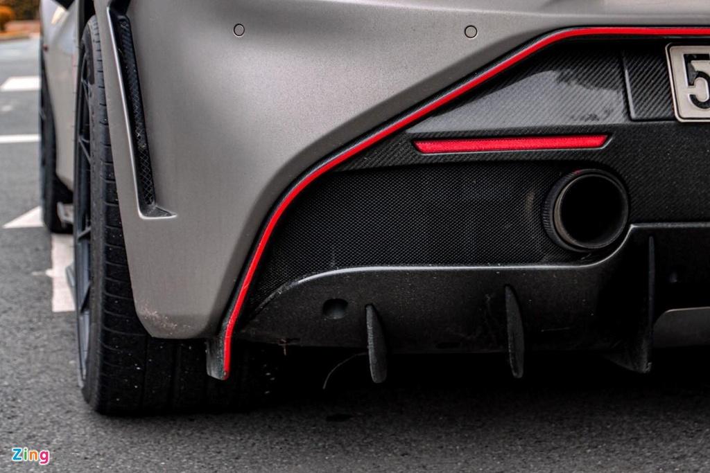 Can canh Ferrari 488 GTB do SVR anh 5