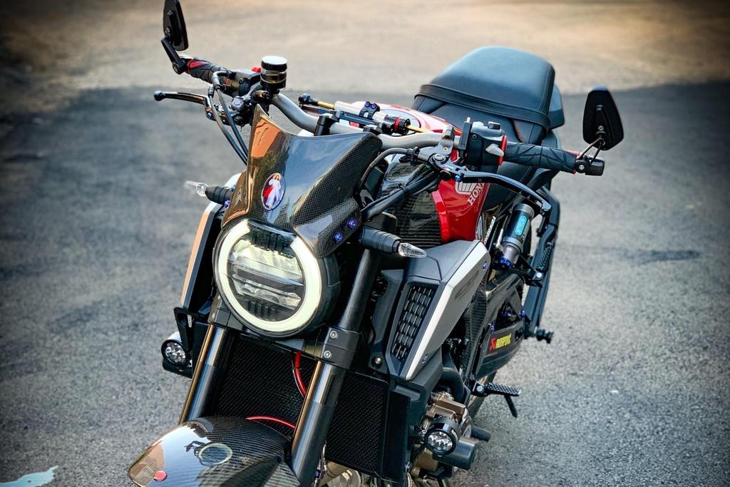 Honda CB650R voi goi do hang hieu cua biker SG, dat hon ca xe moi hinh anh 4