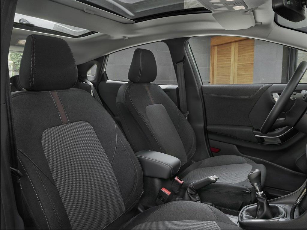Crossover Ford Puma ra mat ban cao cap, bo sung trang bi hang sang hinh anh 6