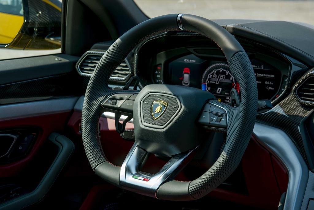 Sieu SUV Lamborghini Urus chinh hang anh 15