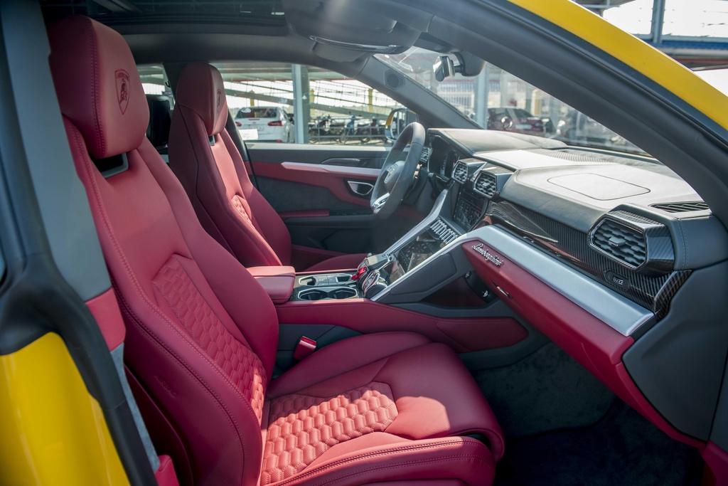 Sieu SUV Lamborghini Urus chinh hang anh 10