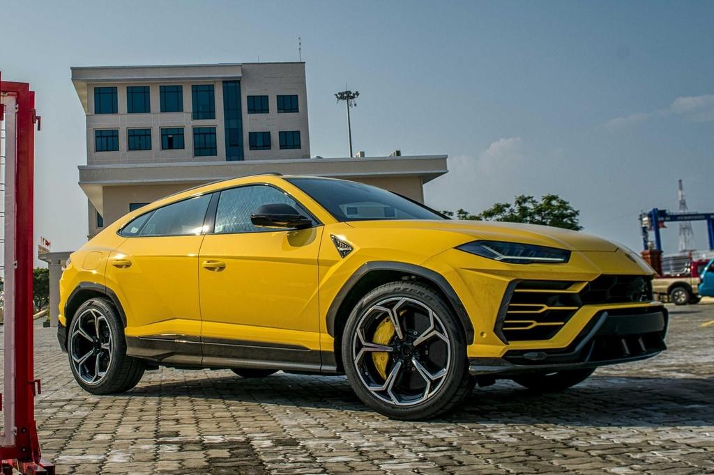 Sieu SUV Lamborghini Urus chinh hang anh 1