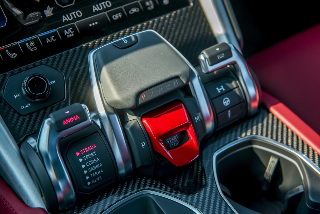 Sieu SUV Lamborghini Urus chinh hang anh 17
