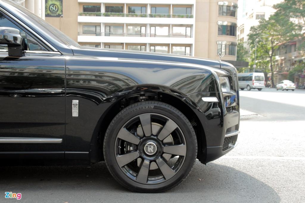 Rolls-Royce Cullinan dau tien cap ben TP.HCM anh 5
