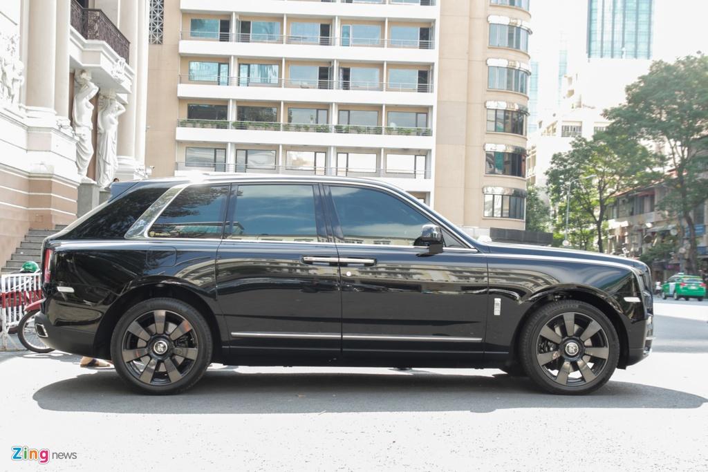 Rolls-Royce Cullinan dau tien cap ben TP.HCM anh 3