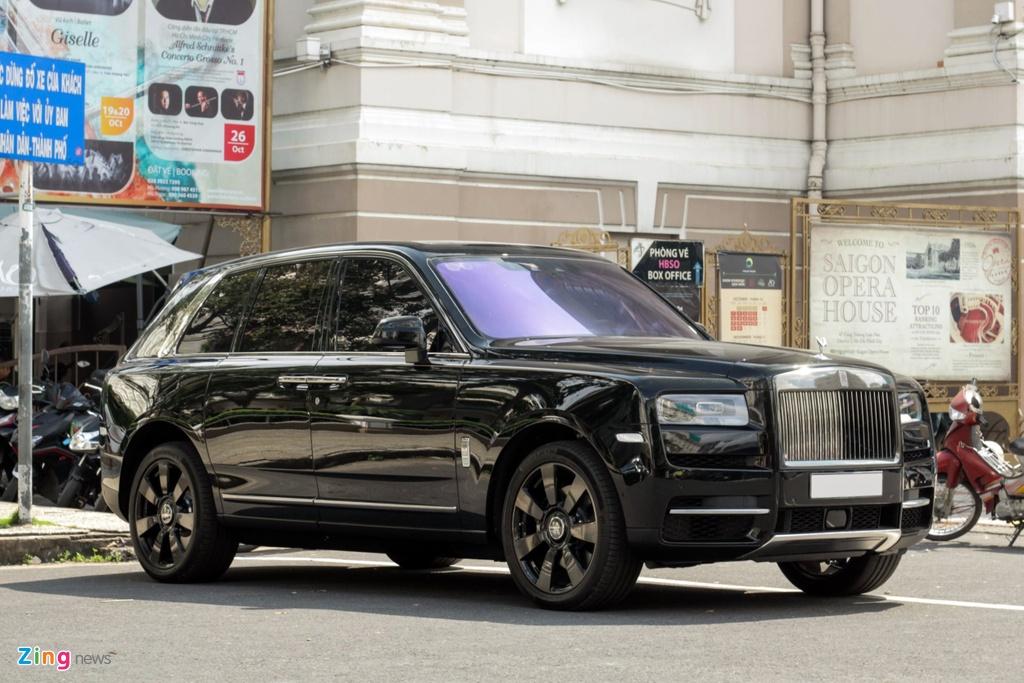 Rolls-Royce Cullinan dau tien cap ben TP.HCM anh 1