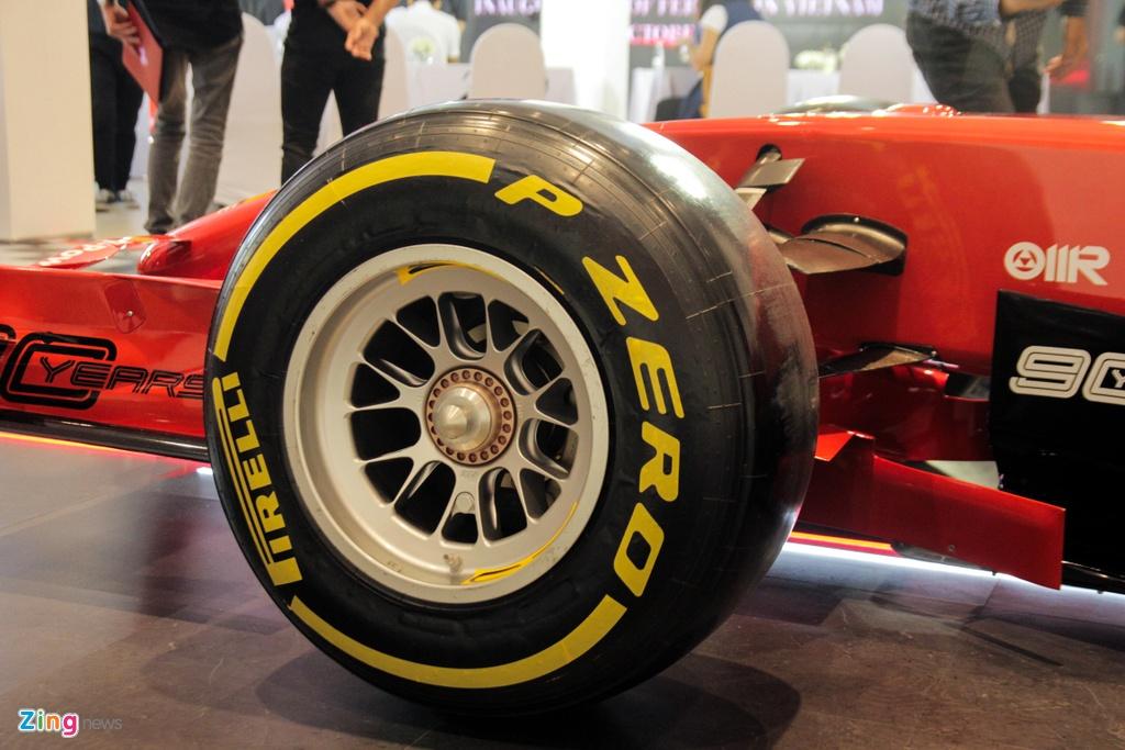Can canh xe dua F1 gia tram ty cua Ferrari xuat hien tai Viet Nam hinh anh 8