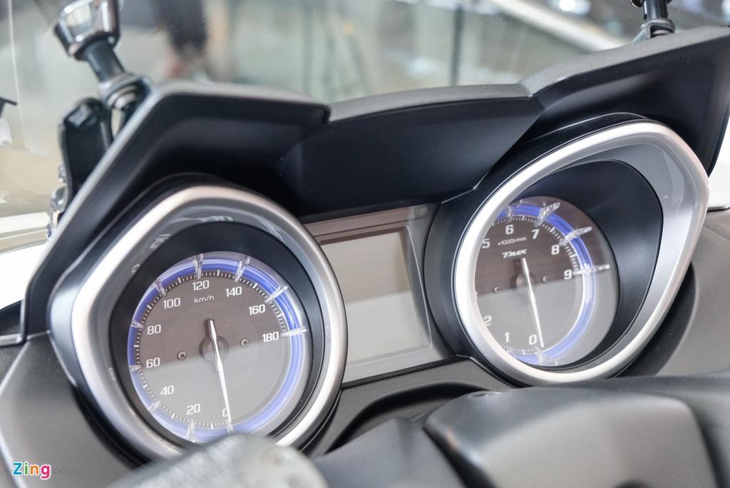 Can canh Yamaha T-Max - xe tay ga 530 phan khoi hinh anh 10