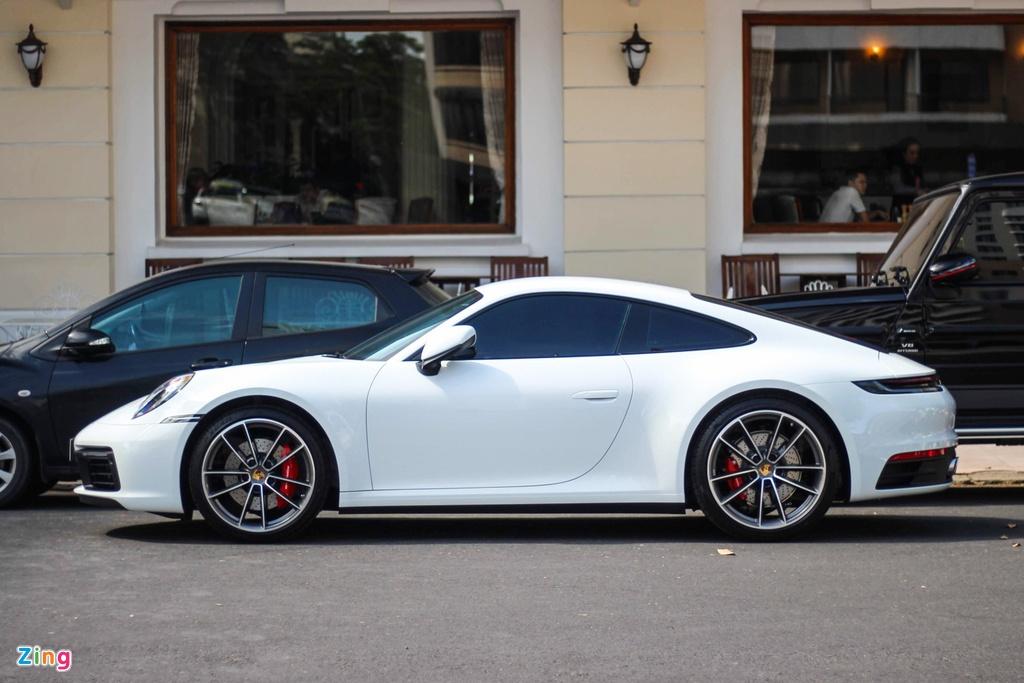 Vo chong Cuong Do La tau Porsche 911 Carrera S gia gan 8 ty hinh anh 2
