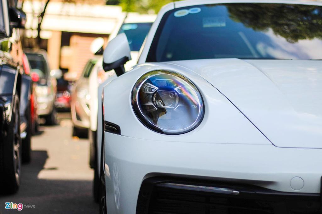 Vo chong Cuong Do La tau Porsche 911 Carrera S gia gan 8 ty hinh anh 6
