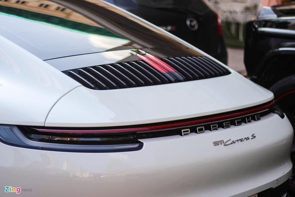 Vo chong Cuong Do La tau Porsche 911 Carrera S gia gan 8 ty hinh anh 7