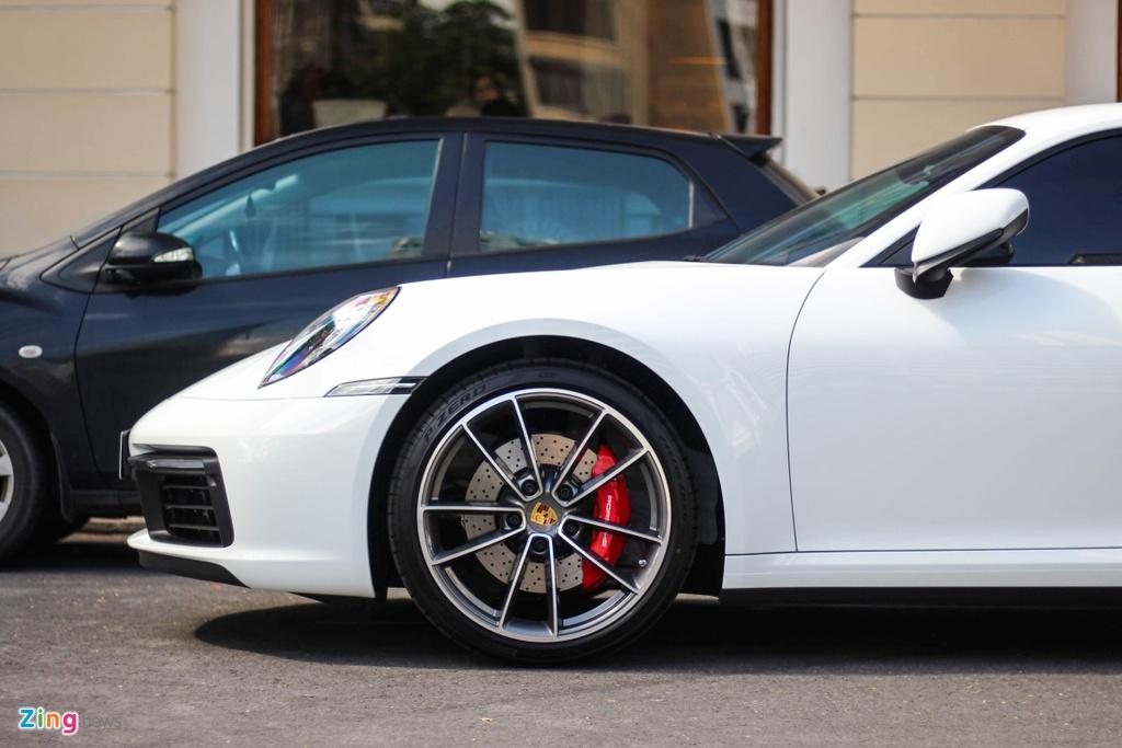 Vo chong Cuong Do La tau Porsche 911 Carrera S gia gan 8 ty hinh anh 5
