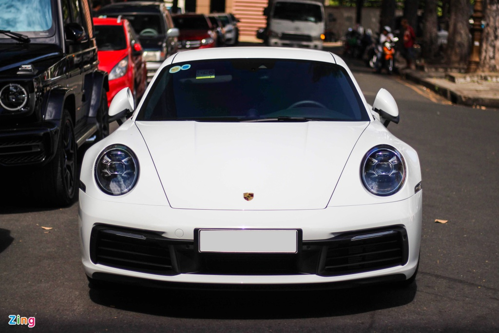 Vo chong Cuong Do La tau Porsche 911 Carrera S gia gan 8 ty hinh anh 3