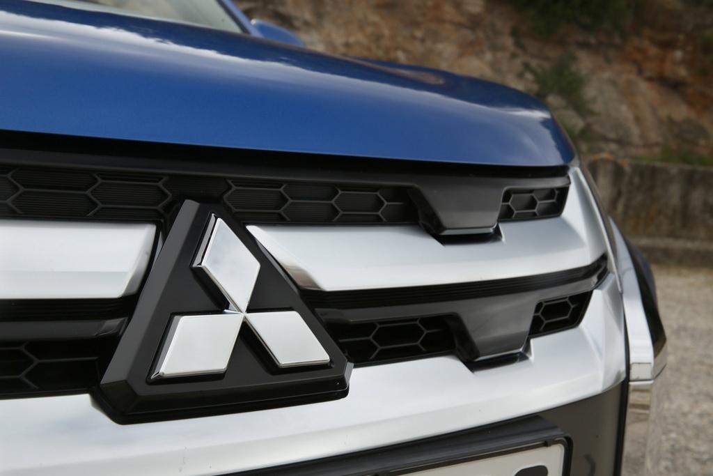 Mitsubishi Outlander 2020 co gia tu 17.000 USD tai Australia hinh anh 6