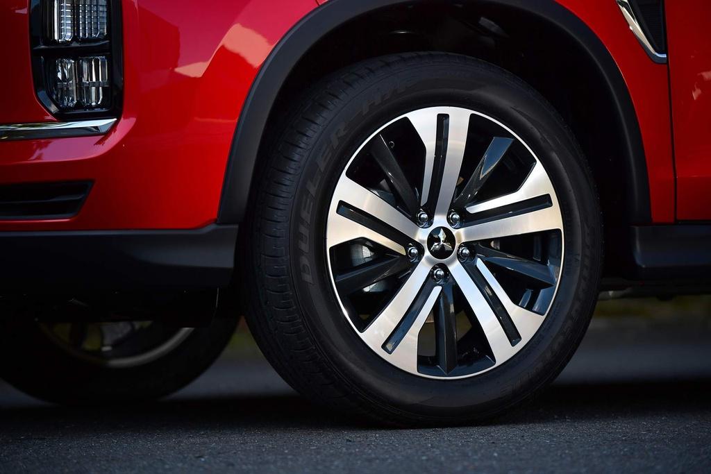 Mitsubishi Outlander 2020 co gia tu 17.000 USD tai Australia hinh anh 4