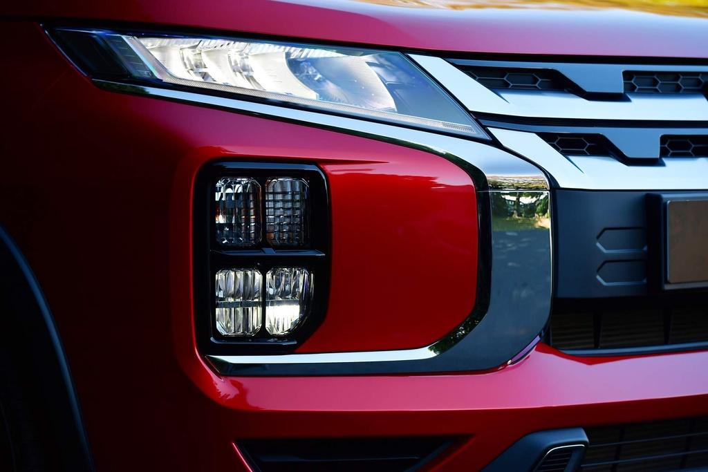 Mitsubishi Outlander 2020 co gia tu 17.000 USD tai Australia hinh anh 3