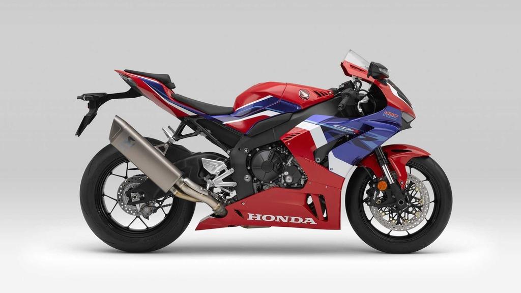 Honda CBR1000RR-R the he moi trinh lang voi thiet ke ham ho hinh anh 3