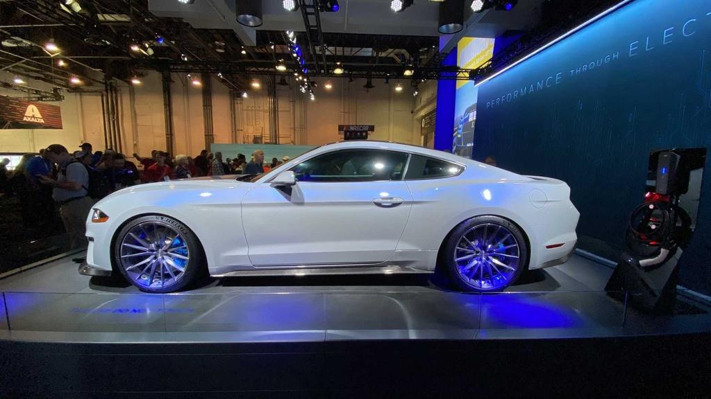 Ford ra mat Mustang chay dien voi mo-men xoan 1.355 Nm hinh anh 7