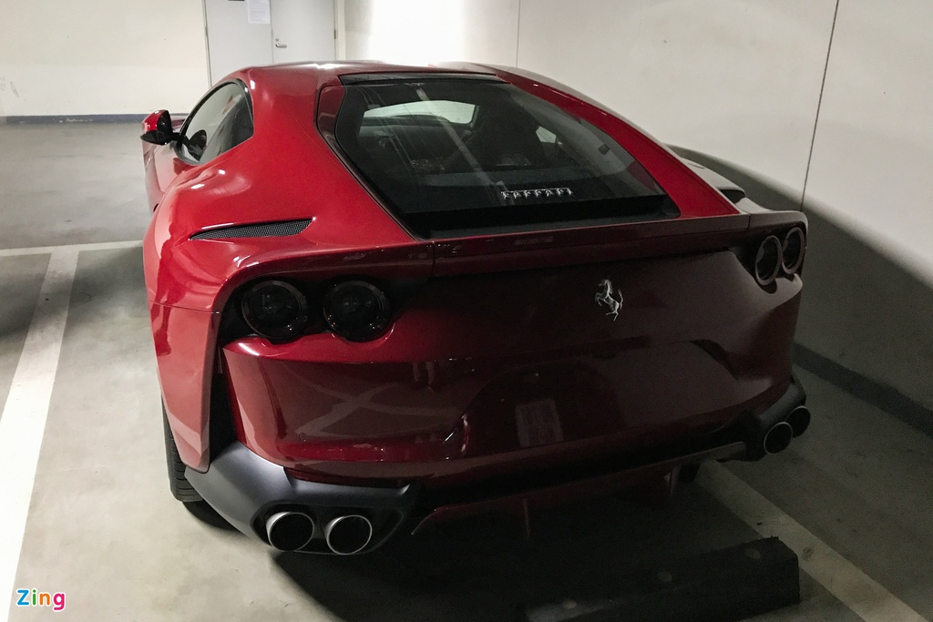 Can canh Ferrari 812 Superfast anh 5