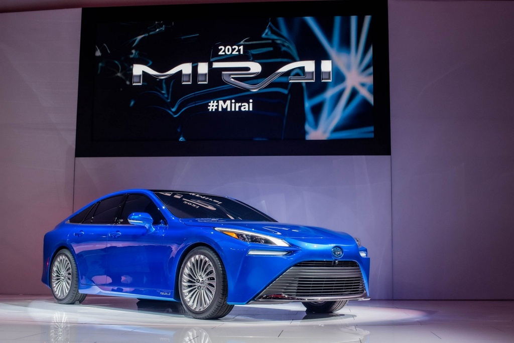 Toyota Mirai Concept - chiec xe xanh trong than xac Lexus hinh anh 1