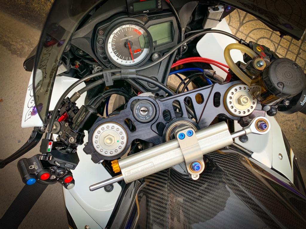 Suzuki GSX-R750 voi goi do nua ty dong tai TP.HCM hinh anh 6