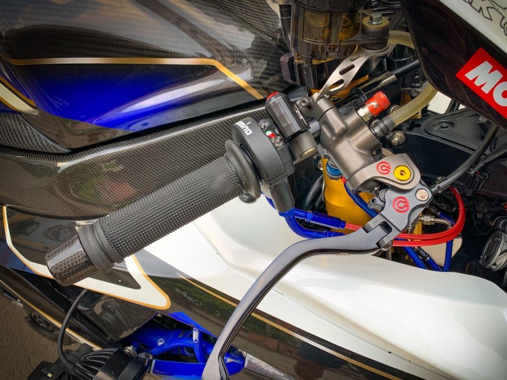 Suzuki GSX-R750 voi goi do nua ty dong tai TP.HCM hinh anh 8