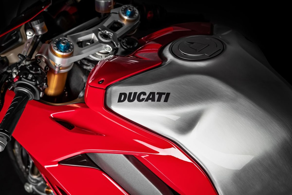 Ducati Panigale V4 R gia nhap luc luong canh sat Abu Dhabi anh 9