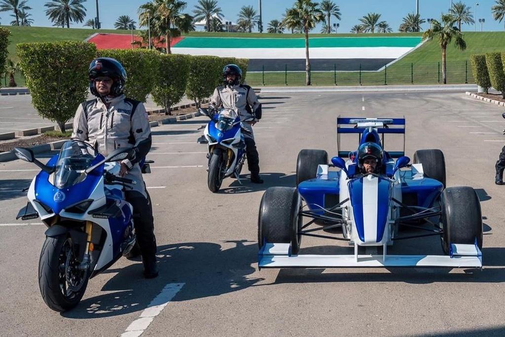 Canh sat Abu Dhabi dung sieu moto Ducati Panigale V4 R lam xe tuan tra hinh anh 2 B2.jpg