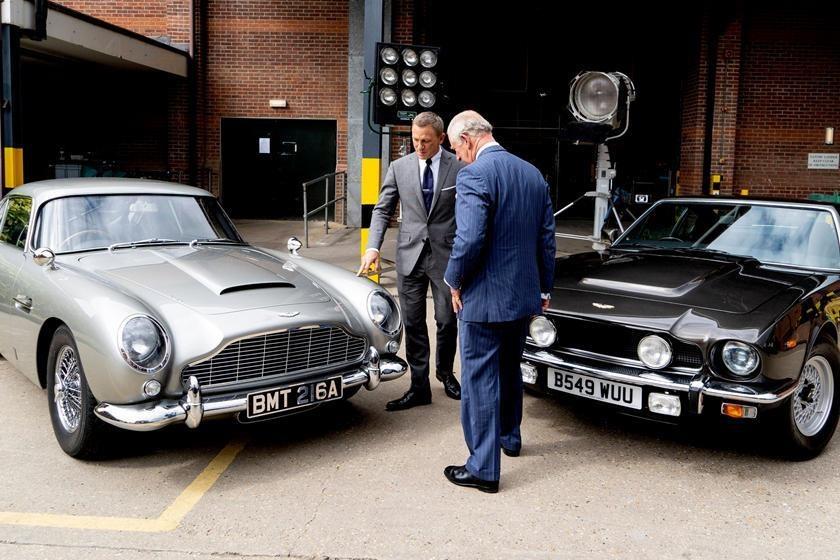Hang loat mau xe dinh dam xuat hien trong trailer phim James Bond moi hinh anh 9 599452.jpg