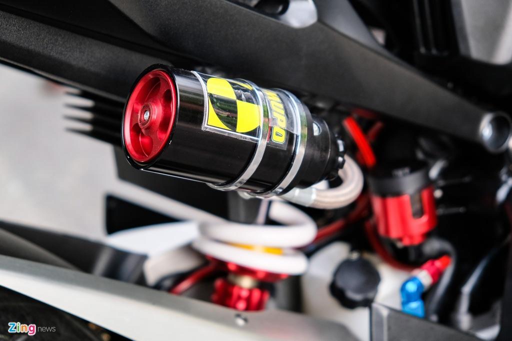 Honda CB1000R Plus voi goi do 200 trieu dong cua biker TP.HCM hinh anh 11 HondaCB1000_zing_21.jpg
