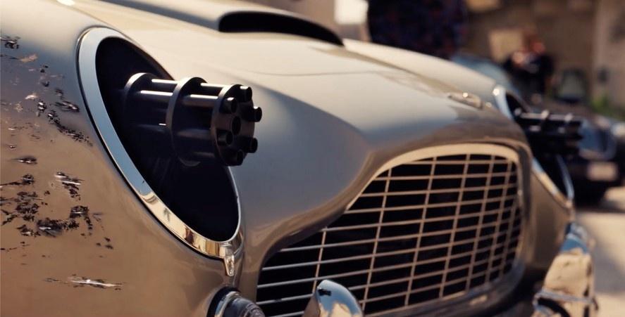 Hang loat mau xe dinh dam xuat hien trong trailer phim James Bond moi hinh anh 3 ezgif-5-80bc37893cd5.jpg