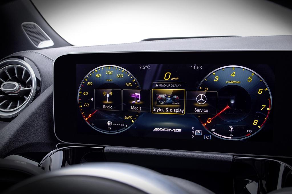 Mercedes-Benz ra mat GLA the he moi hinh anh 8 2021-Mercedes-Benz-GLA-34.jpg
