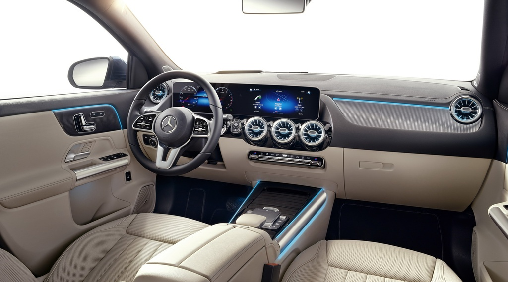 Mercedes-Benz ra mat GLA the he moi hinh anh 5 2021-Mercedes-Benz-GLA-45.jpg