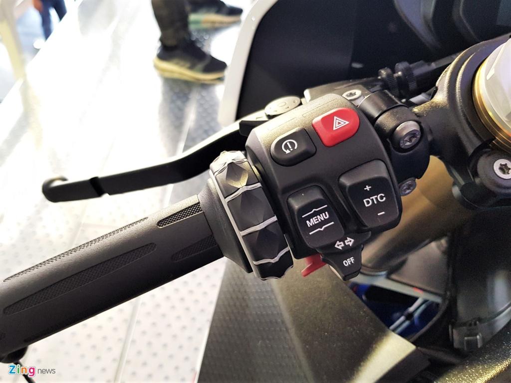 BMW S 1000 RR 2019 chot gia gan 1 ty dong tai Viet Nam hinh anh 9 3_BMWS1000RR_zing.jpg