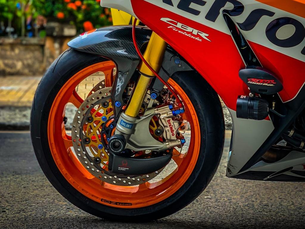 Honda CBR1000RR do anh 8