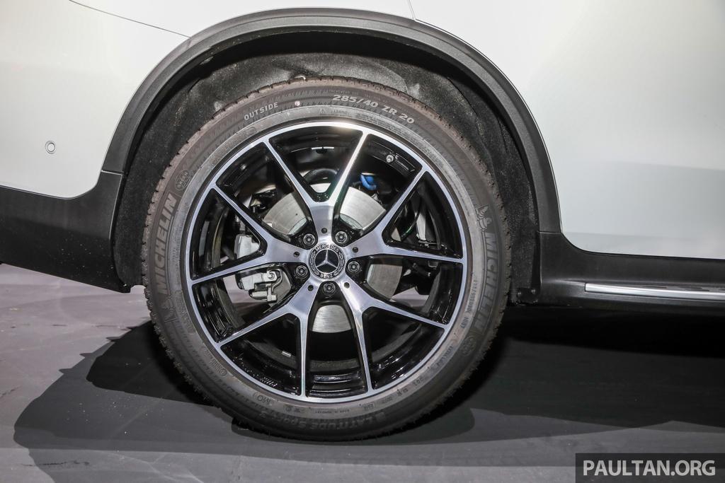 Mercedes-Benz GLC 300 Coupe facelift ra mat tai Malaysia hinh anh 5 MercedesBenz_GLC_Range_Launch_GLC300_Coupe_Malaysia_Ext-18.jpg