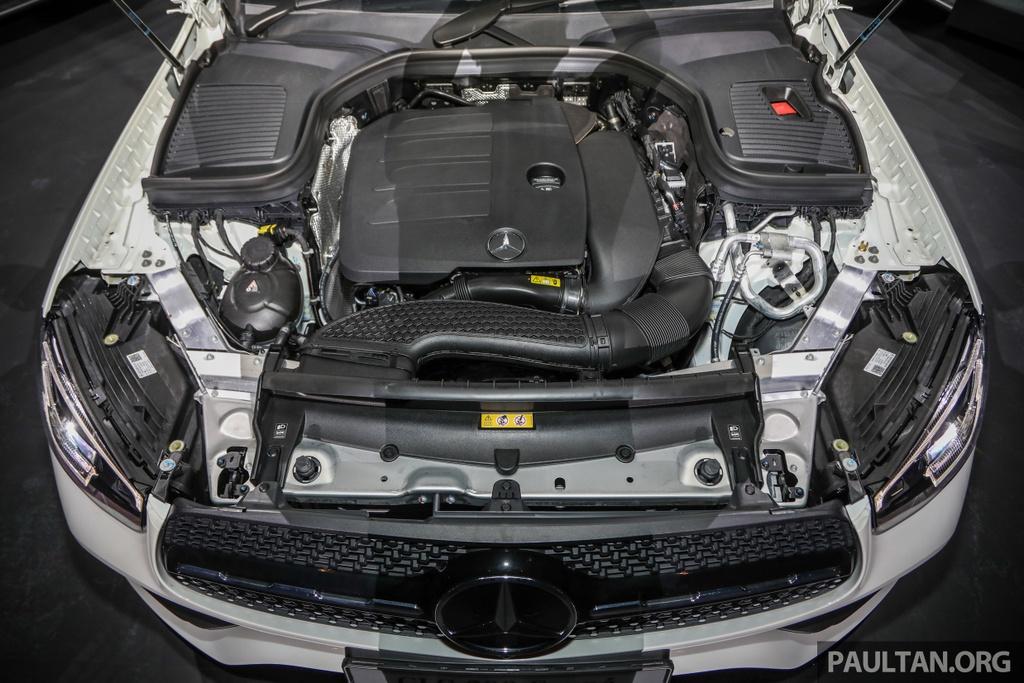 Mercedes-Benz GLC 300 Coupe facelift ra mat tai Malaysia hinh anh 7 MercedesBenz_GLC_Range_Launch_GLC300_Coupe_Malaysia_Ext-25.jpg