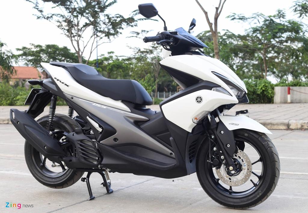 So sanh Honda Air Blade 150 va Yamaha NVX 155 anh 2