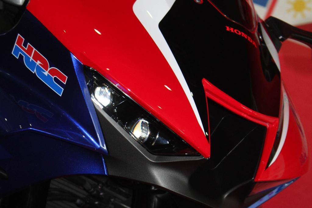 Honda CBR1000RR-R 2020 ra mat o Malaysia, chuan bi ve Viet Nam hinh anh 10 2020-Honda-CBR1000RR-R-Malaysia-Watermark-10.jpg