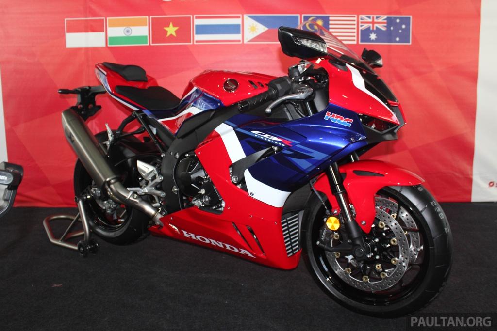 Honda CBR1000RR-R 2020 ra mat o Malaysia, chuan bi ve Viet Nam hinh anh 1 2020-Honda-CBR1000RR-R-Malaysia-Watermark-12.jpg